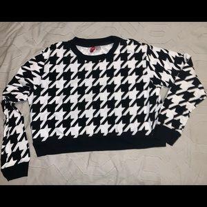 Black & White Houndstooth Crop Sweatshirt